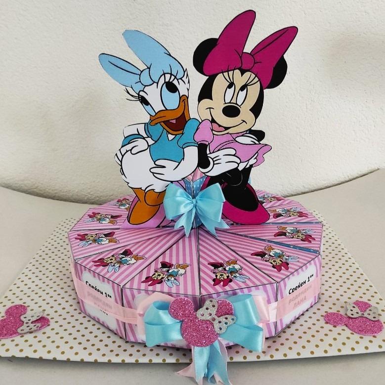 Торта од хартија со Minnie Mouse