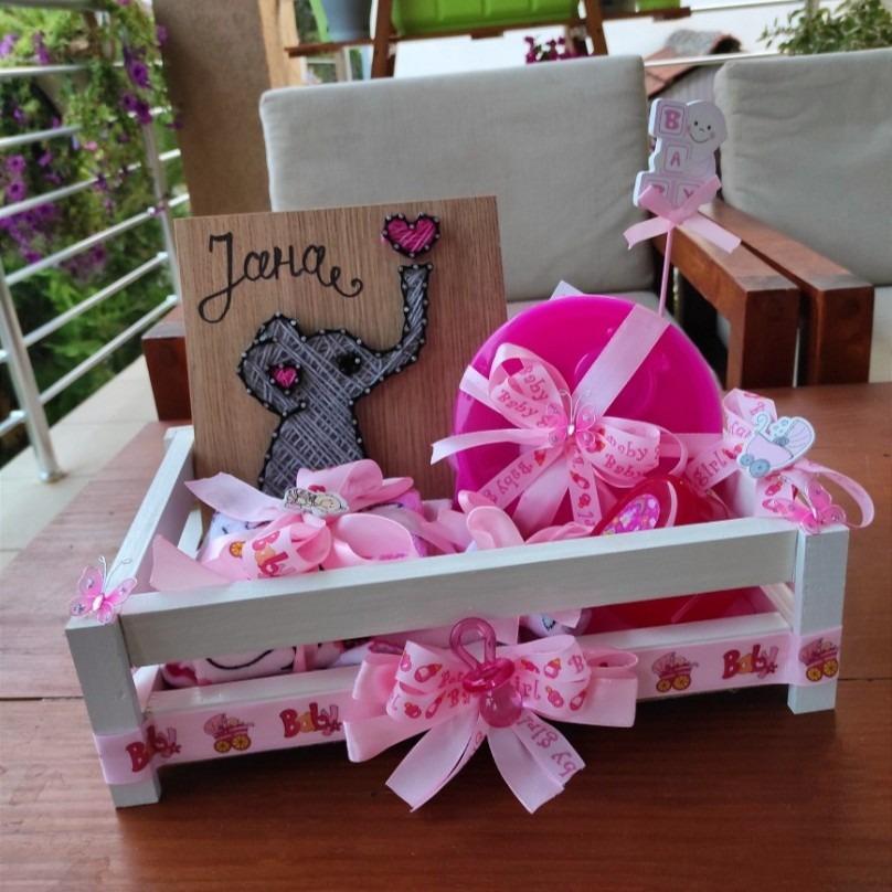 Корпа со подароци за бебe