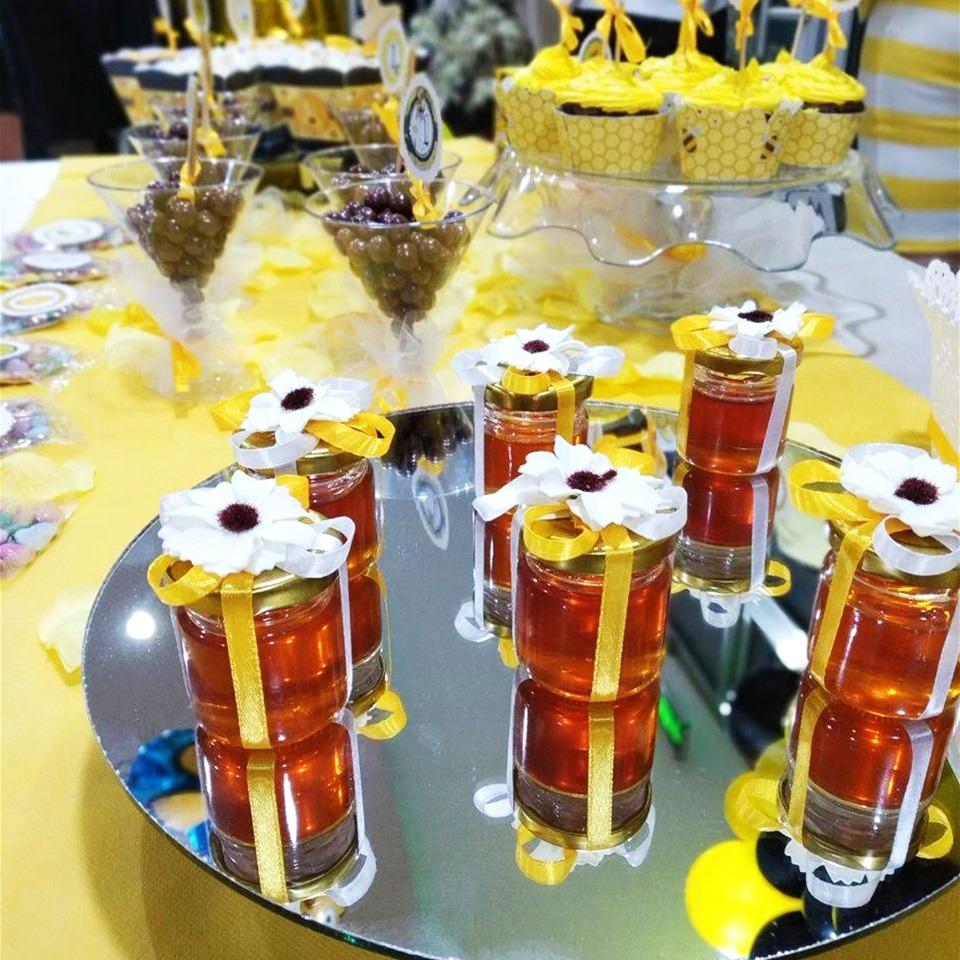 Теглички со мед за роденден